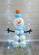 Маленький снеговик из воздушных шаров
